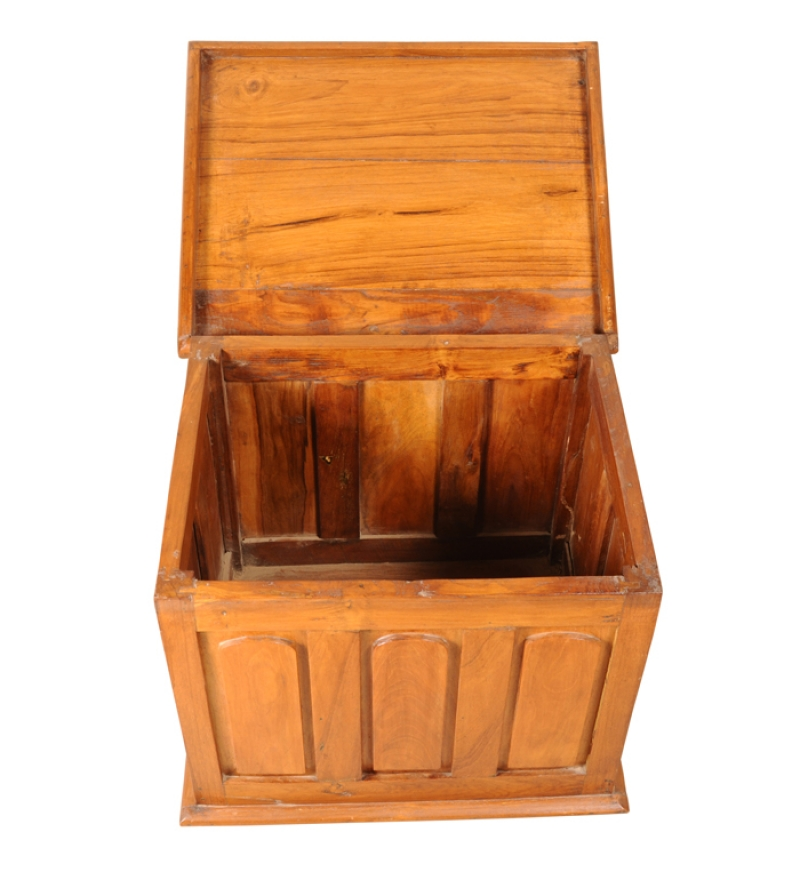Cayenne Trunk Box With Curved Panels By Mudra Online Trunks Boxes Furniture Pepperfry
