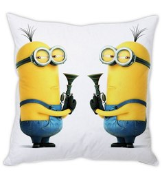 Stybuzz Yellow Despicable Me Minion Silk Cushion Cover